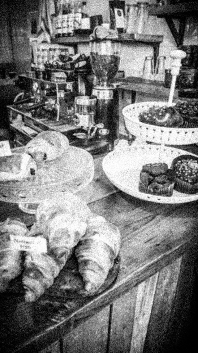 Dark Star - Serving - Cakes-
